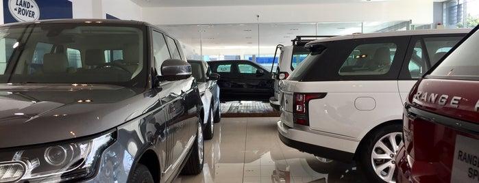 Land Rover EuroCAVSA is one of Locais curtidos por Lucianne.