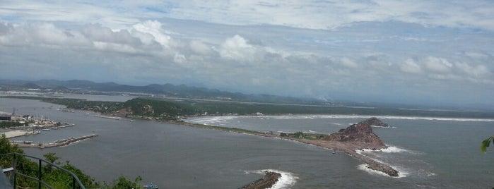 Cerro del Crestón is one of Mazatlán.