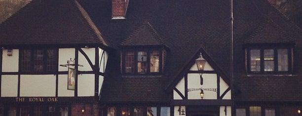 The Royal Oak is one of สถานที่ที่บันทึกไว้ของ Camie.