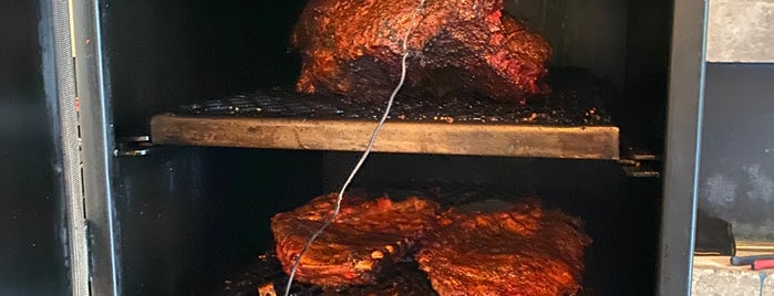 Smokeria BBQue Pit Masters México is one of Alfredoさんのお気に入りスポット.