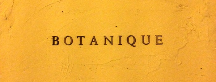 Botanique Restaurant is one of Paris.