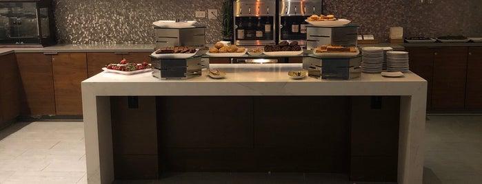 M Club Lounge is one of Lieux sauvegardés par montserrat.