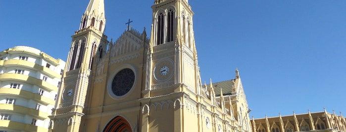 Catedral Basílica Menor Nossa Senhora da Luz dos Pinhais is one of Curitiba, Capital do Paisagismo e Bom Gosto.