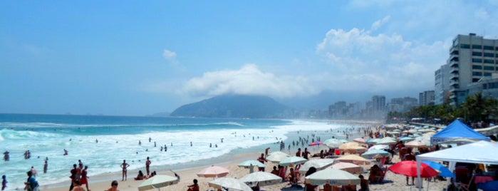 Praia de Ipanema is one of Rio de Janeiro por Sáimon Rio.