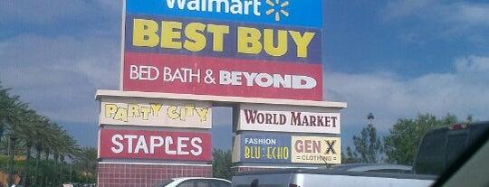 Walmart Supercenter is one of Posti che sono piaciuti a Eric.