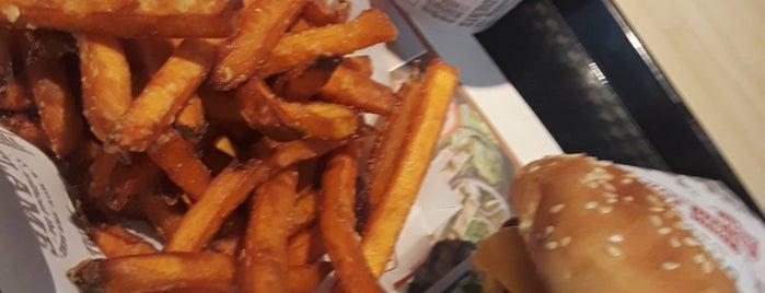 The Habit Burger Grill is one of Roger 님이 좋아한 장소.