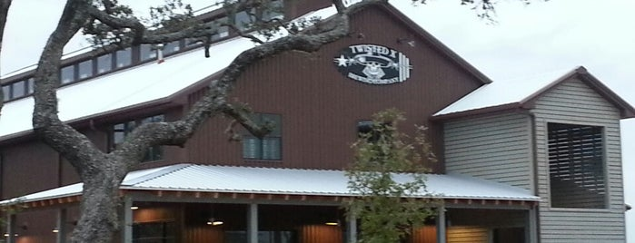 Twisted X Brewing Company is one of Lieux qui ont plu à Josh.