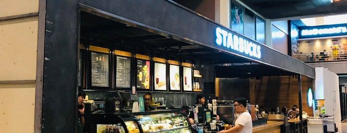 Starbucks is one of Locais curtidos por Andrej.