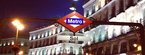 Metro Sol is one of Transporte Madrid.