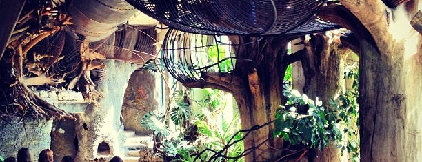 City Museum is one of St. Louis.