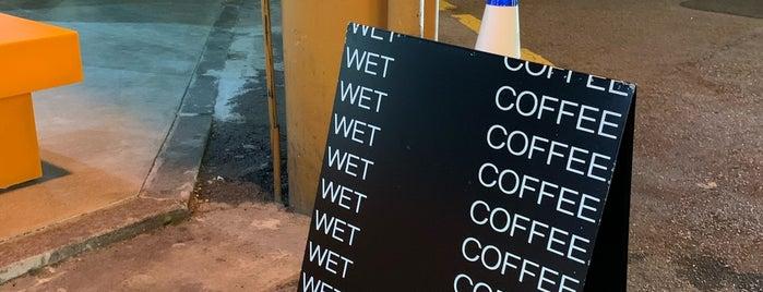 WET COFFEE 신사 is one of ♠ 가로수길 지역전문가 ♠.