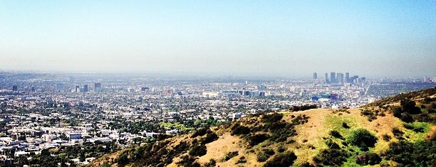 Runyon Canyon Park is one of Los Angeles.