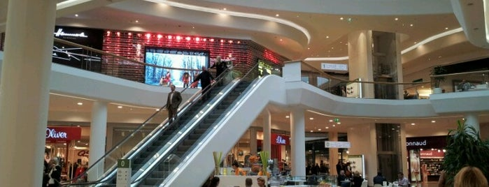 Shopping City Süd is one of Sibel'in Beğendiği Mekanlar.