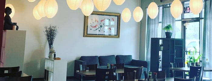 Red Koi Japanese Restaurant is one of Nick'in Beğendiği Mekanlar.
