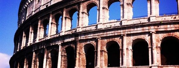 Coliseo is one of Sitios Internacionales.