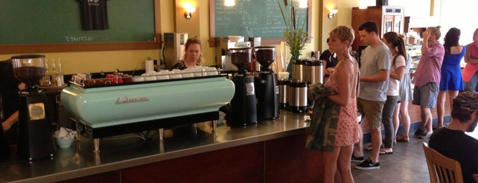 Extracto Coffee House & Roastery is one of PDXcellent.