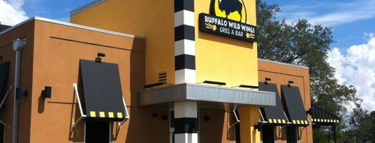 Buffalo Wild Wings is one of Lugares favoritos de Chris.