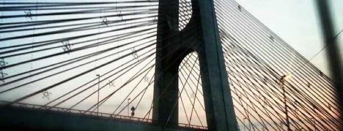 Ponte Estaiada Governador Orestes Quércia is one of 100+ Programas Imperdíveis em São Paulo.