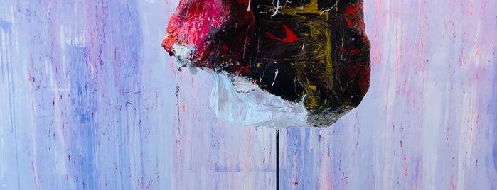 Galerie Natalie Seroussi is one of Paris.
