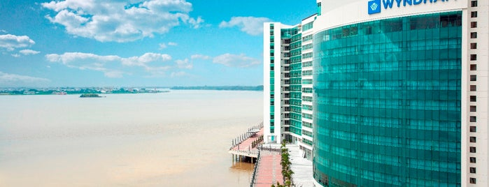 Wyndham Guayaquil is one of Locais curtidos por Martin.