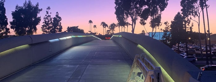 City of Costa Mesa is one of Sergio M. 🇲🇽🇧🇷🇱🇷 님이 좋아한 장소.