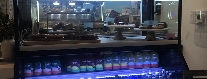Pura Vida Natural Foods (Inside The Grand Double Tree Hotel) is one of Plant-based food MIA.