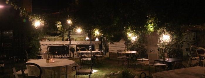 Bar a Vin is one of Locais curtidos por Ceren.