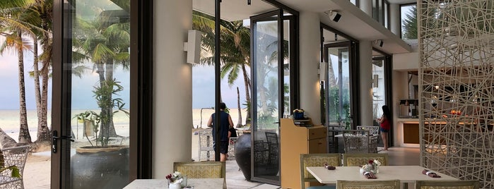 Sand Restaurant is one of Locais curtidos por Louis Anthony.