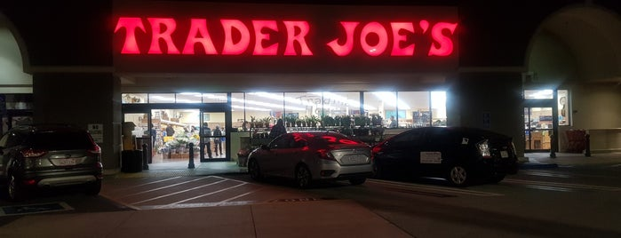 Trader Joe's is one of Hamiltonさんのお気に入りスポット.