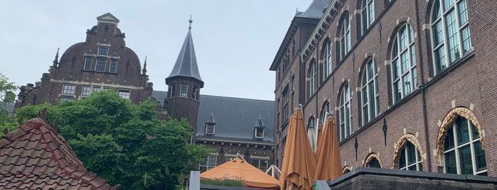 Grand Café de Tropen is one of Tempat yang Disukai Melike.