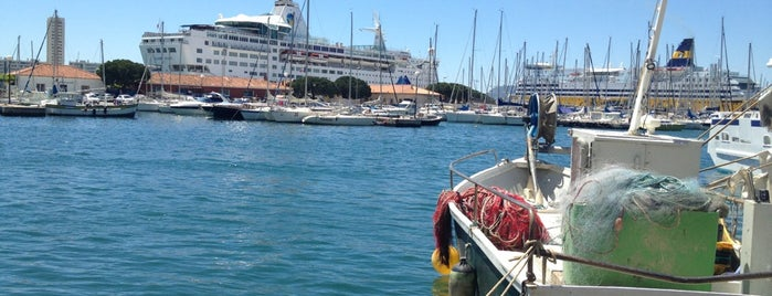 Port de Toulon is one of Jared's Liked Places.