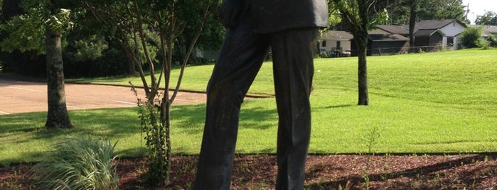 Medgar Evers Statue is one of Arthur's Main list of things to do..