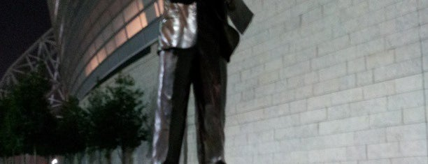 Tom Landry Statue is one of Not-so-Usual Things to Do.