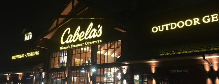 Cabela's is one of Orte, die Chrissy gefallen.