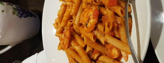 italianni's is one of Lugares favoritos de Francisco.