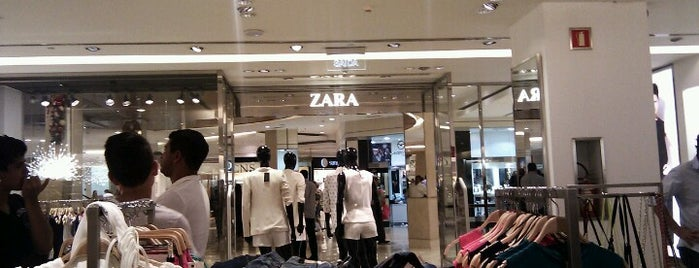 Zara is one of Lugares favoritos de Alexandre.