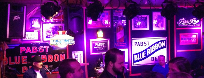 Bob & Barbara's Cocktail Lounge is one of Foobooz Best 50 Bars in Philadelphia 2012.