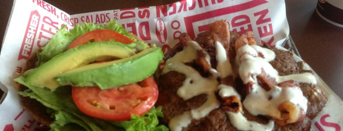 Smashburger is one of Ahmedさんのお気に入りスポット.