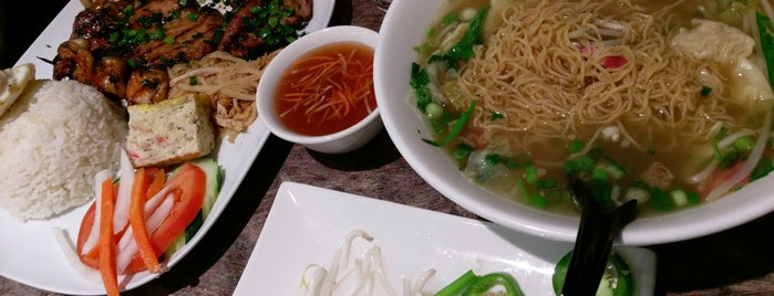 Pho Saigon Bistro is one of PDX suburbs Asian faves.