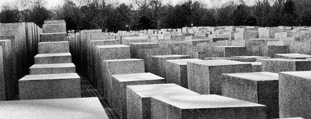 Katledilen Avrupalı Yahudiler Anıtı is one of History in Berlin.