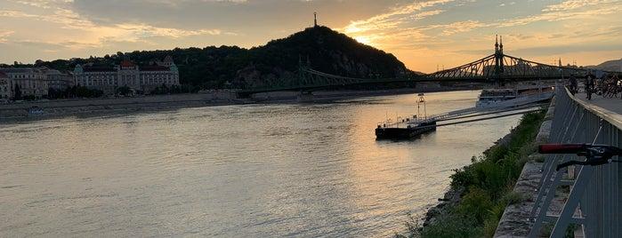 Esetleg Bar & Bistro is one of Budapest.