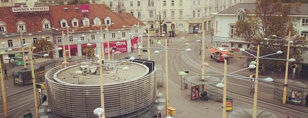 Jakominiplatz is one of Orte, die Orhan Veli gefallen.