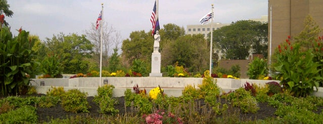 The Greater Cincinnati Firefighters Memorial Park is one of Lugares favoritos de thadd.