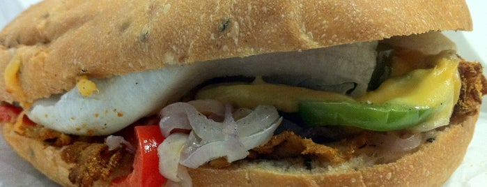 Hungrywich's is one of Veggie choices in Non-Vegetarian Restaurants.