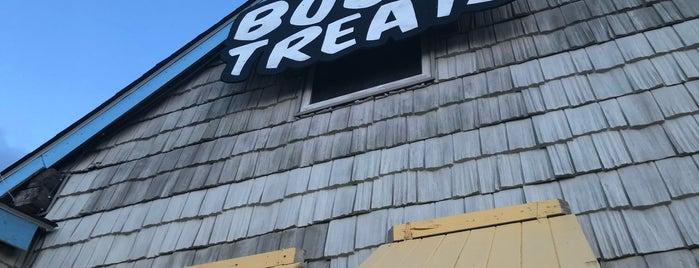 BootyTreats Ice Cream & Shave Ice is one of Lugares guardados de Liam.