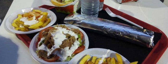 Abbasy Döner Kebab is one of Lieux qui ont plu à Jorge.