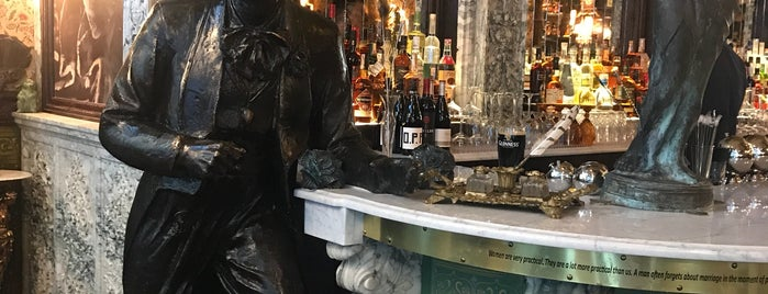 Oscar Wilde is one of NYC Happy Hour.