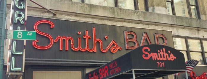 Smith's Bar & Restaurant is one of Manhattan Bars to Check Out.