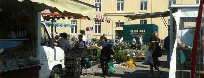 Wochenmarkt am Pferdemarkt is one of Orte, die Matthias gefallen.