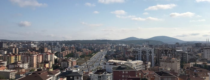 Beyaz Kule Sitesi is one of สถานที่ที่ MEHMET YUSUF ถูกใจ.